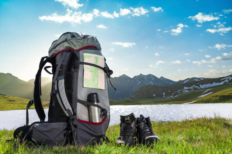 What to Bring on a Short Hike – Beginners Guide